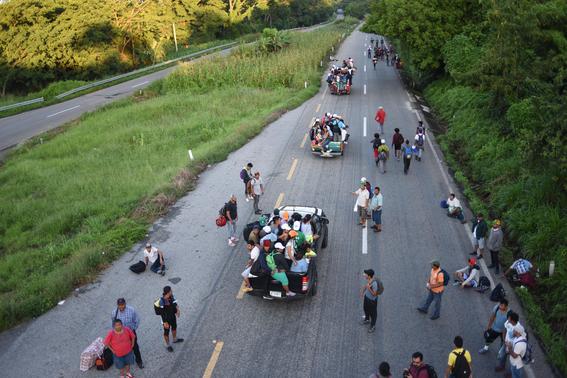 caravana migrante busca llegar al senado 3