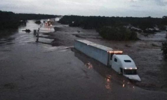 nayarit emergencia por desborde de rio acaponeta 2