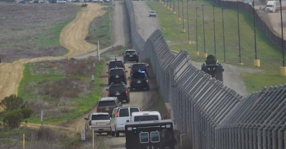 estados unidos despliega barreras y tropas en frontera mexico 1