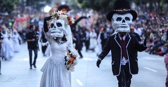los dias en que se celebran a los muertos en mexico 1