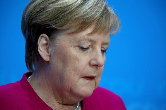 angela merkel rechaza reelegirse en alemania en 2021 2