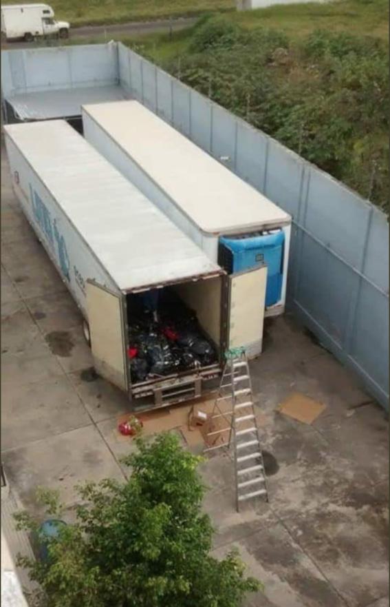 destruyen trailer que resguardaba cuerpos en jalisco 2