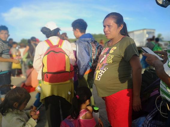 lupita bebe recien nacida en caravana migrante 2