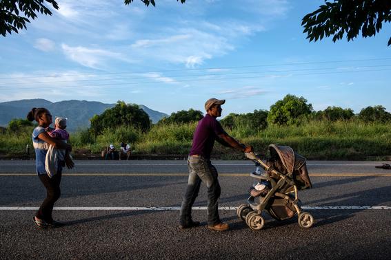 caravana sale de oaxaca mas migrantes vienen para mexico 2
