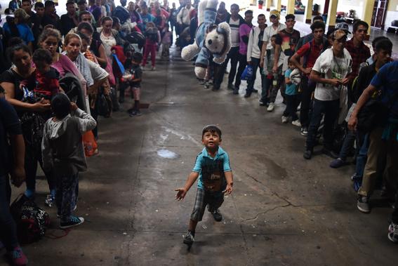 caravana sale de oaxaca mas migrantes vienen para mexico 5