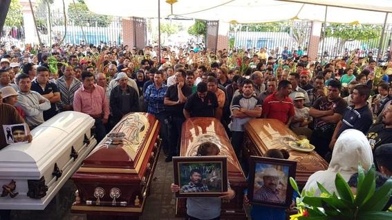 falta de tumbas mexicanos celebran dia de muertos en fosas 2