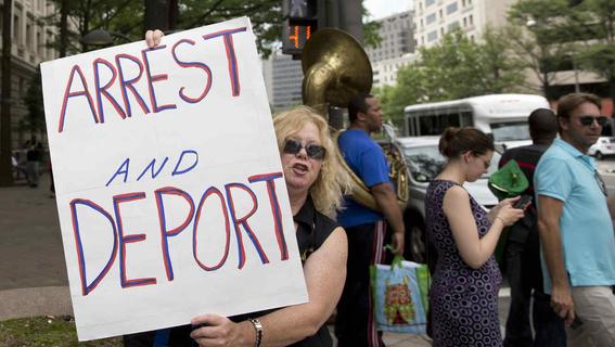 grupos antiinmigrantes vigilan frontera de eua llegada caravanas 1