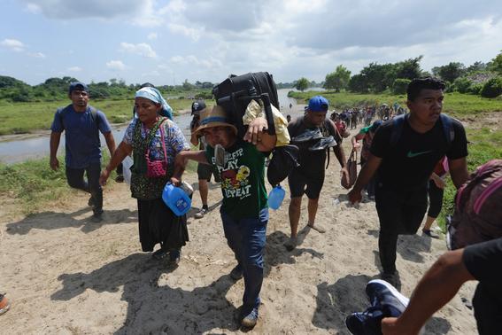 donald trump se retracta de amenazar a migrantes 2