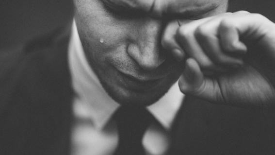 caso de hombre que llora sangre en italia 1