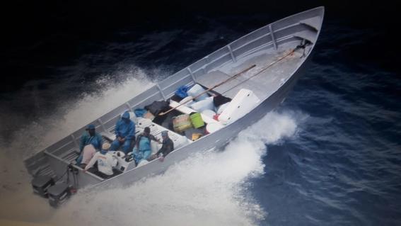 marina captura casi una tonelada de cocaina 1