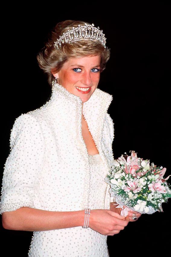 princesa diana el costo de sus vestidos 6