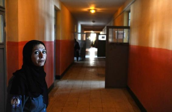 fotos aref karimi vida carcel mujeres afganistan 7