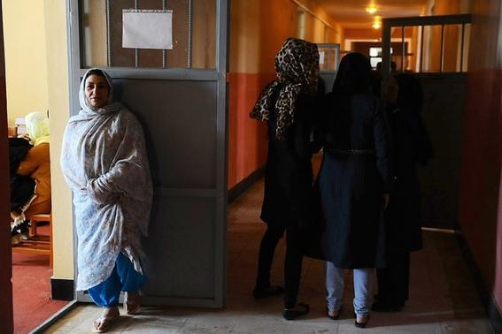 fotos aref karimi vida carcel mujeres afganistan 12