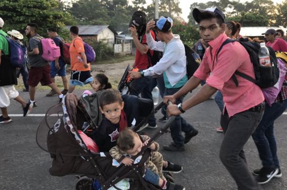 migrantes marchan en cdmx para protestar y pedir ayuda 1
