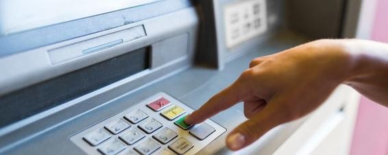 morena iniciativa prohibición comisiones bancarias bmv 1