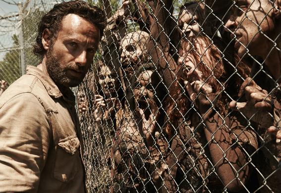 series de zombies ademas de the walking dead 1