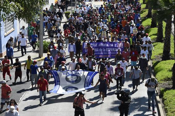 onu rechaza camiones pese exigencias de migrantes 1