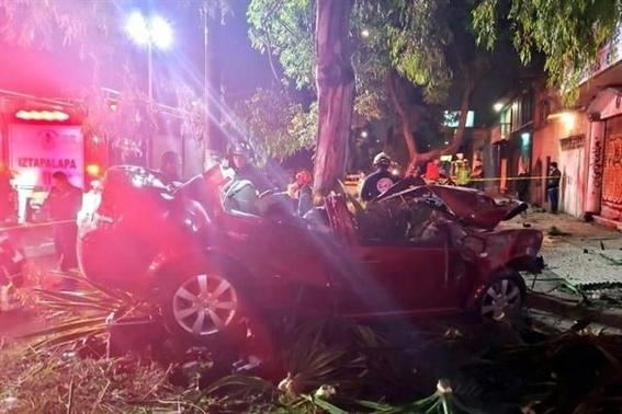 balacera y choque en iztapalapa dejan 8 muertos 2 heridos 2