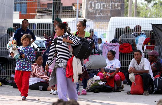 ofrecen servicios de salud y alimentacion a caravana migrante en irapuato 1