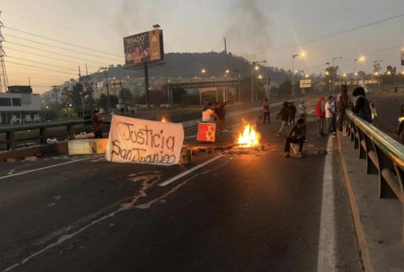 caos mexico pachuca por bloqueo habitantes san juanico 1