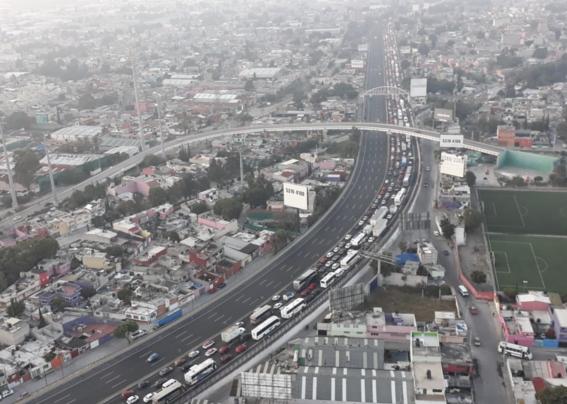 trafico por bloqueo mexico pachuca atrapa miles de personas 3