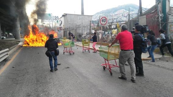 bloqueo en carretera mexico  pachuca 2