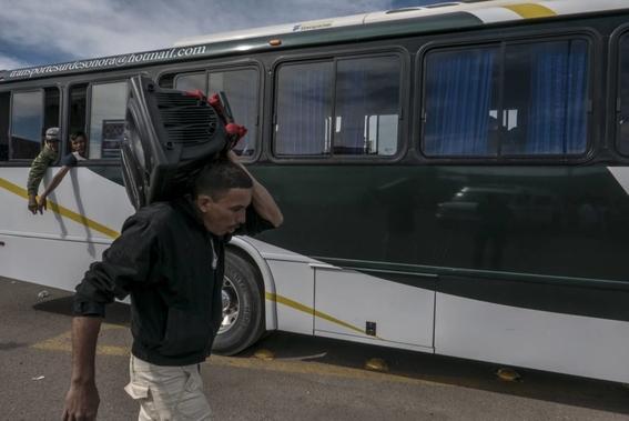 detenidos en caravana 2