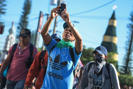 al menos 150 salvadorenos salen en nueva caravana rumbo a eeuu 2