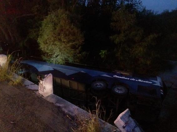 volcadura de autobus en montemorelos nuevo leon deja 8 muertos 1