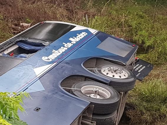 volcadura de autobus en montemorelos nuevo leon deja 8 muertos 2