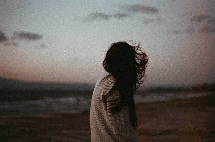 2 poemas que muestran el desamor, la confusión y soledad 1