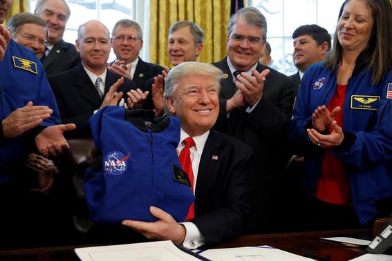 video nasa enviara hombre a la luna y misiones a marte 2