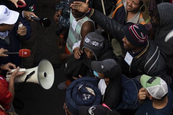 migrantes se manifiestan en garita el chaparral 3
