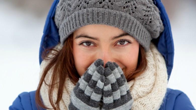 Esta es la razón por la que las mujeres sienten más frío que los hombres  1