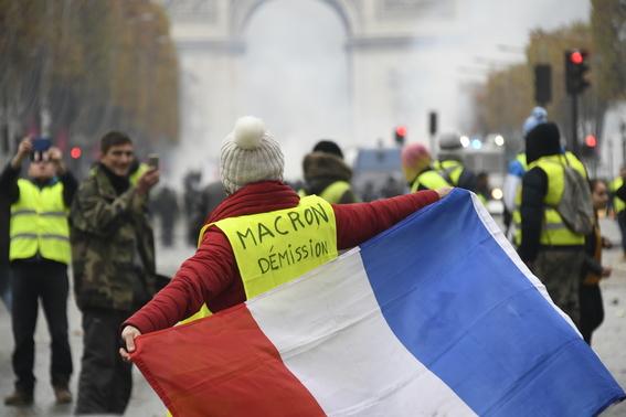 enfrentamiento en paris por gasolinazo 2