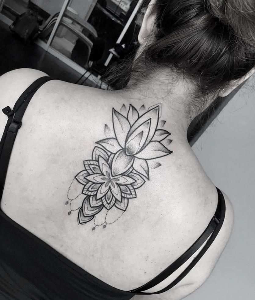 Ideas de tatuajes puntillistas y de líneas si quieres un diseño en blanco y negro 3