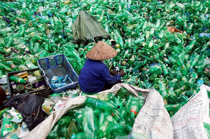 fotos ser humano acaba con el mundo plastico