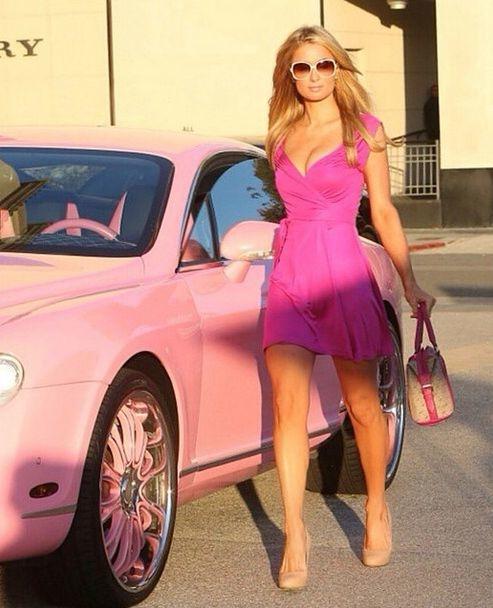 Lecciones de estilo de Paris Hilton para verte increíble hasta en los peores momentos 2