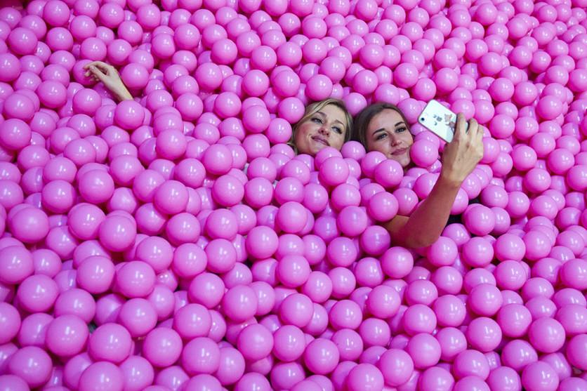 34 fotografías que revelan nuestra enferma obsesión con los smartphones 2