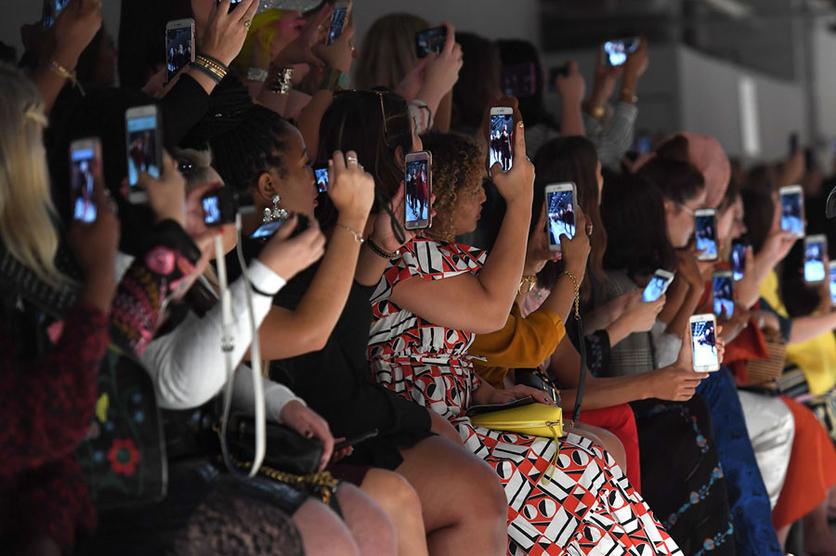 34 fotografías que revelan nuestra enferma obsesión con los smartphones 6