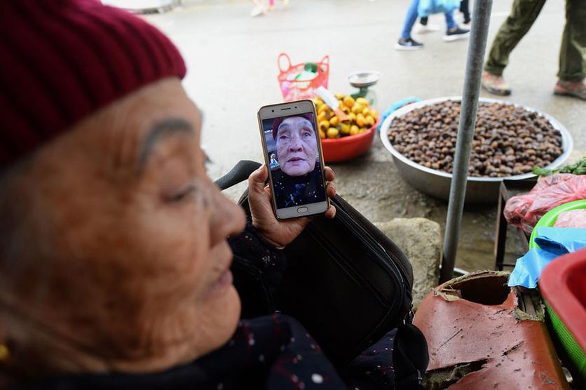 34 fotografías que revelan nuestra enferma obsesión con los smartphones 14