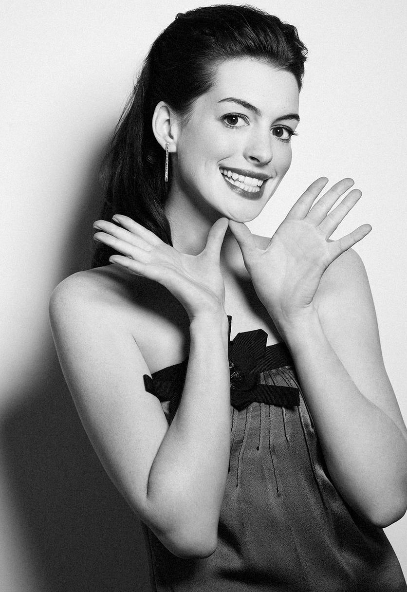 25 fotos del antes y después de Anne Hathaway 26