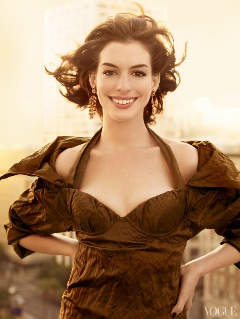 25 fotos del antes y después de Anne Hathaway 28