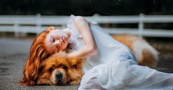 mujeres duermen mejor con perros que con hombres 1