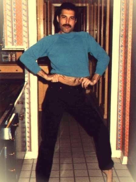 50 fotografías de la evolución de Freddie Mercury 16