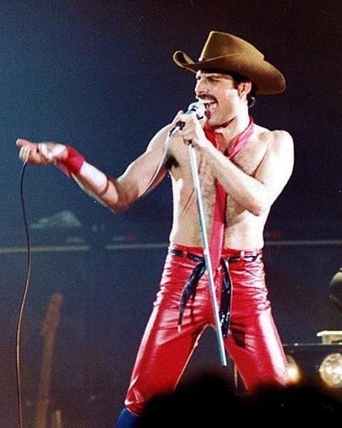 50 fotografías de la evolución de Freddie Mercury 18
