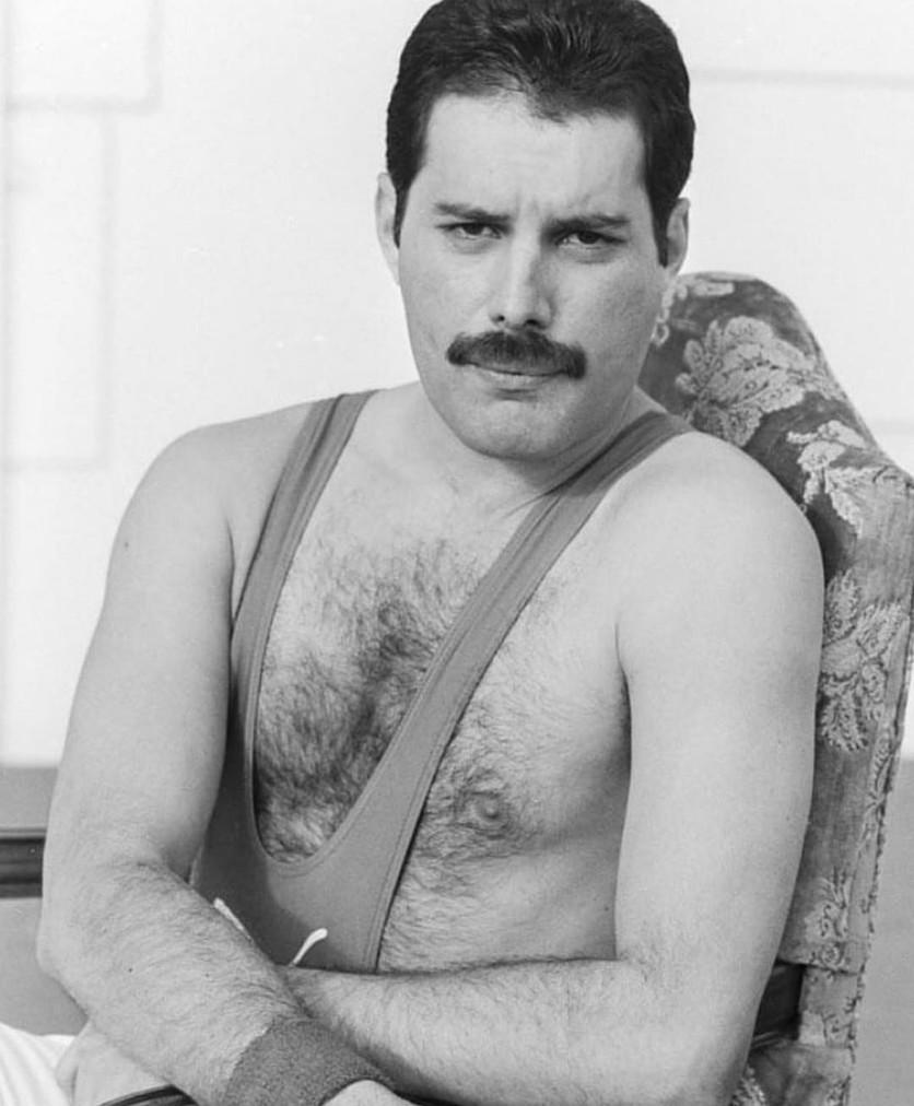 50 fotografías de la evolución de Freddie Mercury 20