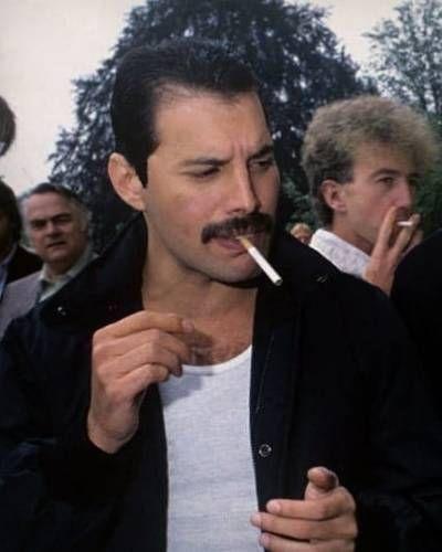 50 fotografías de la evolución de Freddie Mercury 22