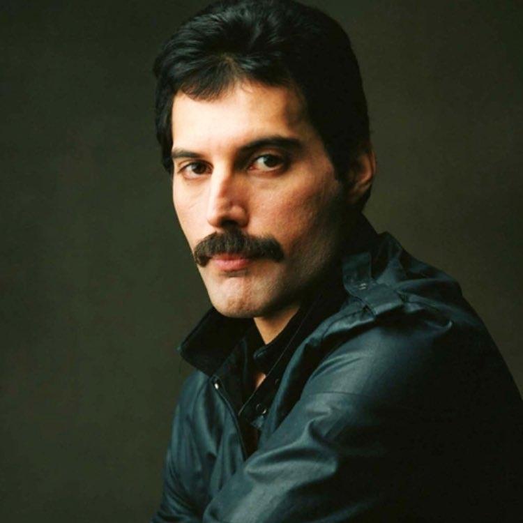 50 fotografías de la evolución de Freddie Mercury 31