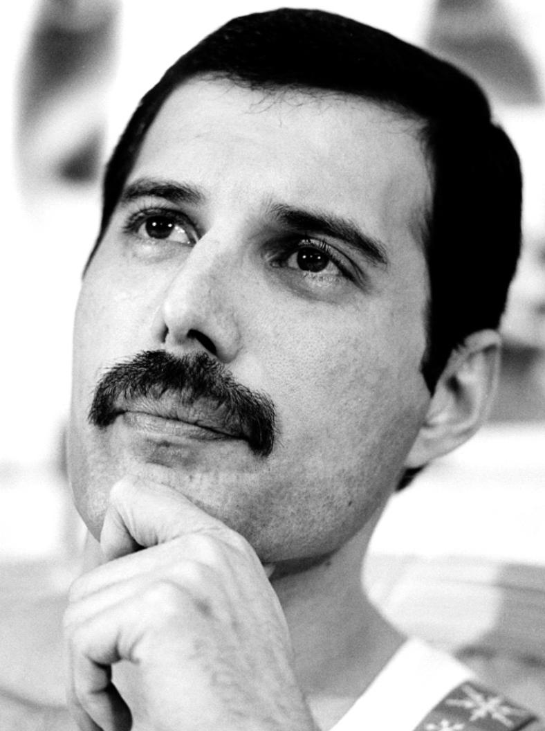 50 fotografías de la evolución de Freddie Mercury 30